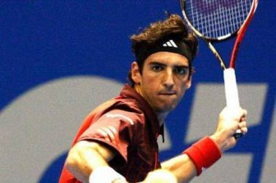 Two-time champion Bellucci progresses, Gilles Simon exits in Gstaad
