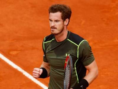 Andy Murray Fights Past Qualifier Facundo Arguello, reaches Second Round!