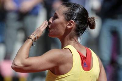 WTA Toronto: Victories for Flavia Pennetta and Sabine Lisicki, then breaks out the storm!