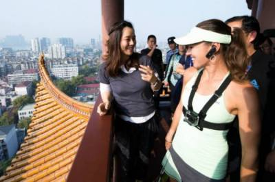 Li Na Becomes Martina Hingis´ Tour Guide in Wuhan (Pics Inside)