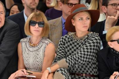 Maria Sharapova attends the Chanel Spring Show in Paris (PICS INSIDE)