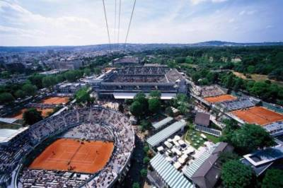 The Roland Garros is still glamorous and glorious, but time is against it