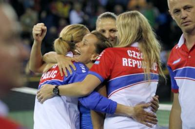 FED CUP SEMI-FINALS: Czechs to play third straight Fed Cup final, against France
