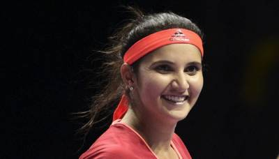 Sania Mirza defends herself from a sexist question and silences the journalist!