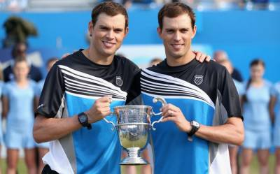 Bryan Brothers Split with their coach David Macpherson