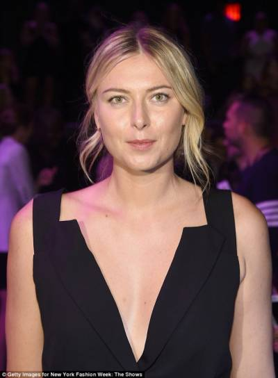 Maria Sharapova and Simone Biles attend Vera Wang Show!