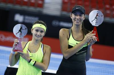 WTA QUEBEC CITY- Oceane Dodin outplays Lauren Davis for first WTA title