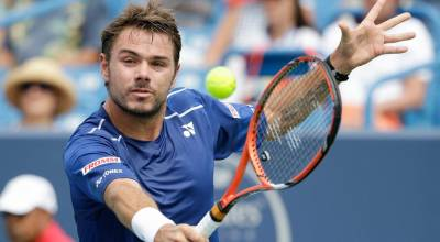 Stan Wawrinka: 'My only wish for 2017 is to see Roger Federer healthy'