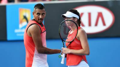 Nick Kyrgios TRAINS with Ajla Tomljanovic DESPITE BAN! (PICS AND VIDEOS INSIDE)