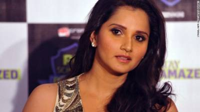 Sania Mirza celebrates the 80 weeks as World No. 1 and gets criticized by a Cricket player