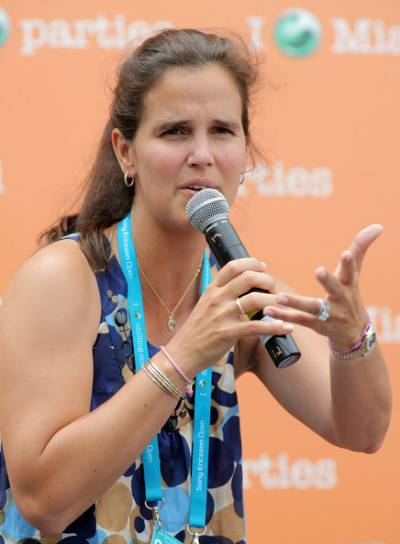 Five qualities it takes to replace Mary Jo Fernandez as Fed Cup Captain