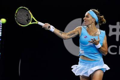 WTA LUXEMBOURG and MOSCOW: Wozniacki's Run Ends, Kuznetsova Survives