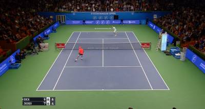 Sock clinches 2nd set after amazing rally