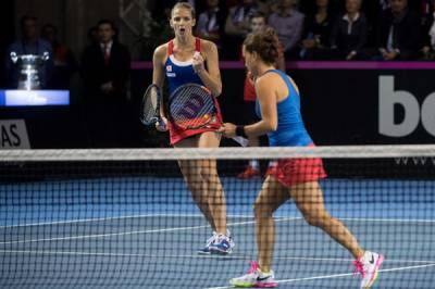 FED CUP FINAL: Czech Republic tops France in an amazing doubles match to win their 10th Fed Cup crown