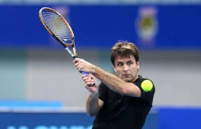Fed Cup - Fabrice Santoro or Mary Pierce to replace Amelie Mauresmo?