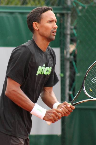 Raven Klaasen sees an effort been put in order to 'move tennis forward again' in South Africa