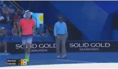 Line judge replaces Vandeweghe and plays alongside Sock
