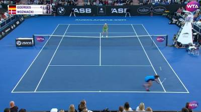 Unbelievable passing shot by Goerges