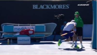 Roberto Bautista Agut charges into ball boy, knocks him into umpire's chair