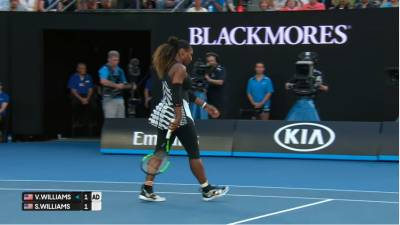 Serena Williams destroys racquet early in final