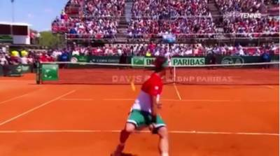 Fognini hits the tweener and wins the point