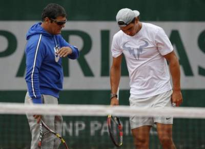 Toni Nadal: 'Djokovic and Murray are the favourites to win the big titles'