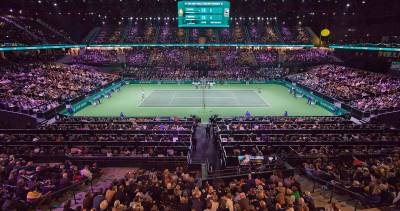 Ballkids get a go pro camera during the ATP Rotterdam final!