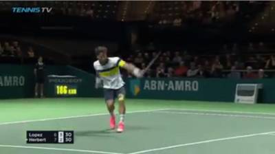 Ridiculous backhand unforced error by Lopez