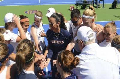 Div I / W: Auburn stroms to beat�Troy and Alabama A&M, Lauren Spencer celebrate her 200th win!