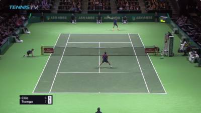 Tsonga hits a fantastic one handed backhand passing shot