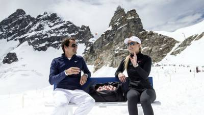 Roger Federer?s BEAUTIFUL PICTURES in the SWISS MOUNTAINS! (PICS INSIDE)