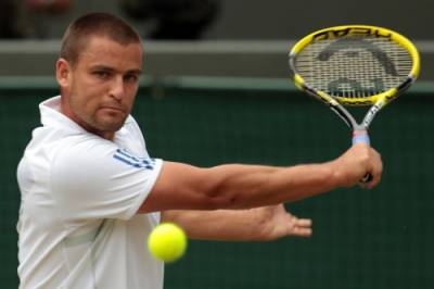 Wimbledon - Youznhy, Istomin Fight Through
