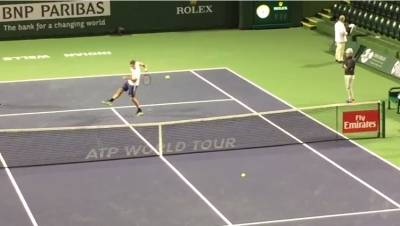 Roger Federer hits a behind the Back Volley in Indian Wells