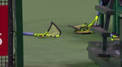 Ryan Harrison breaks four rackets!