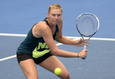 Sharapova's tug-of-war to start playing tennis after her ban