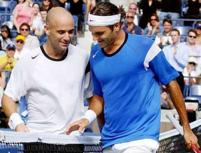Andre Agassi: 'Roger Federer can play for four or five more years'