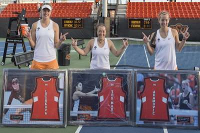 Div I / W: Oklahoma State Cowgirls score a dominant 4-0 win over Oklahoma Sooners