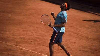Tsonga wins his first ATP clay-court title in Lyon