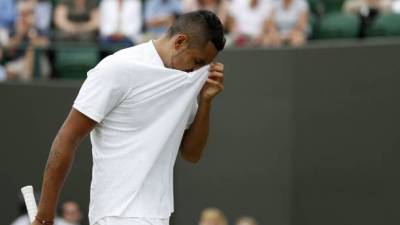 Nick Kyrgios retires during first round action at Wimbledon