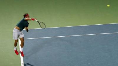 How Federer uses his legs when he serves