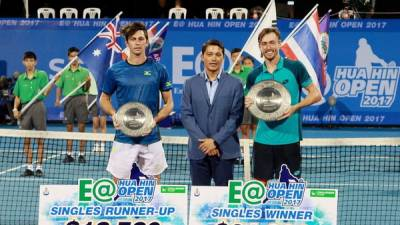 18th title for Carlos Berlocq. Ignatik and Millman also lift trophies