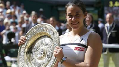 Former Wimbledon champion announces comeback four years after retirement