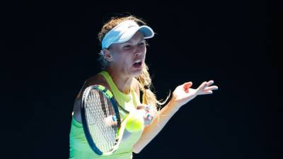 Wozniacki Wins Late Match, Ostapenko Ousted at Australian Open Day 5