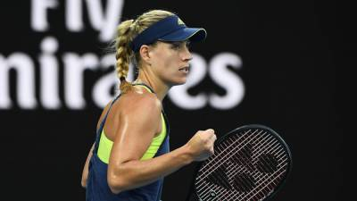 Australian Open: Superb Angelique Kerber glides past Maria Sharapova