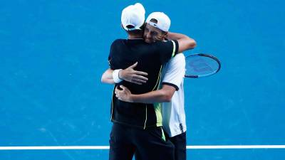 Federer calls sixth Australian Open win 'surreal'