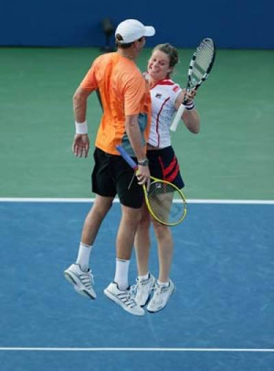 US Open - Kim Clijsters stays alive in mixed doubles but ...