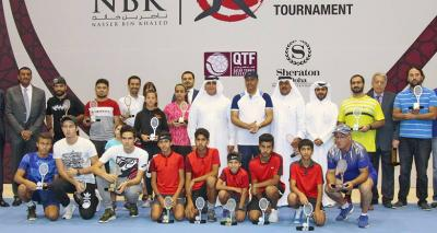 Marco Cecchinato Holds Tennis Clinic for Kids in Qatar