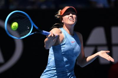Australian Open: Maria Sharapova starts with a beatdown