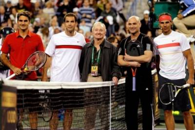 Does tennis today lack personalities?