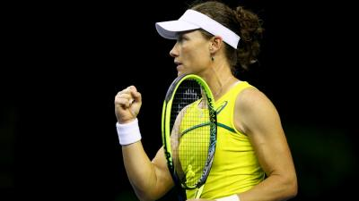 Samantha Stosur puts team ahead of self in Fed Cup Final